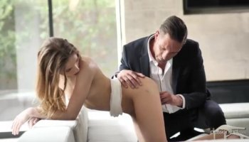 Amateur babe from public can not say no to money